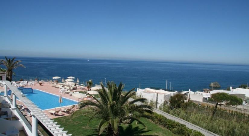Hotel_Albatros_Forio_Campania_piscina_6.jpg-tSa-825X450