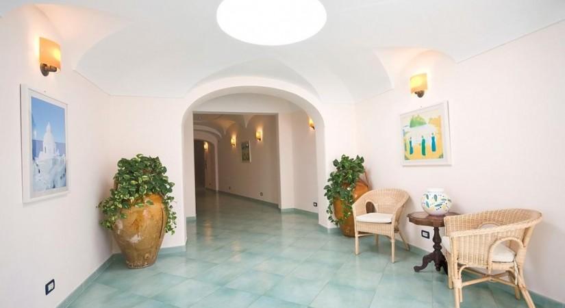 Hotel_Albatros_Forio_Campania_struttura_3.jpg-tSa-825X450