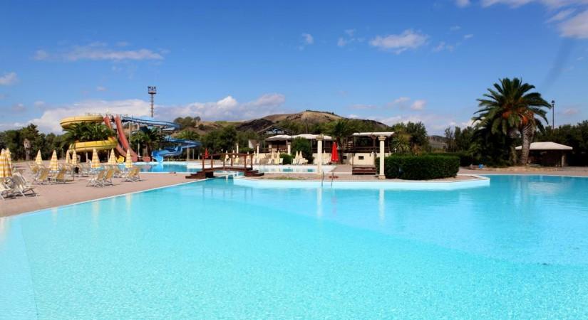 Porto_Kaleo_Resort_Calabria_Steccato_piscina